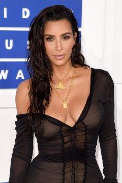 kim-kardashian-hair-makeup-2016-mtv-video-music-awards